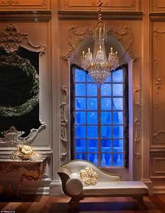 Fairytale of London: Jeweller Tiffany's festive windows ...