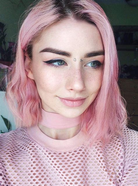 35 Edgy Hair Color Ideas To Try Right Now Pink Aesthetic