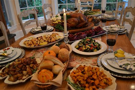 thanksgiving turkey dinner table the perfect thanksgiving menu for the woman on the move
