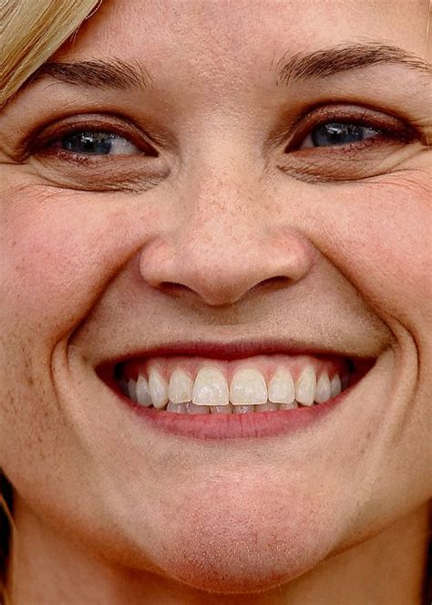 close   reese witherspoon    photo   shows   teeth photograph