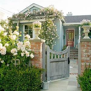 Curb Appeal: 3 Memorable Exteriors - The Inspired Room
