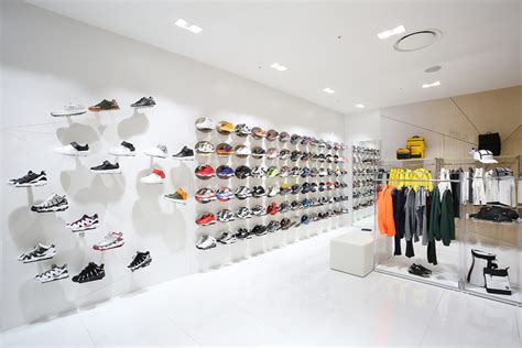 fila  open  flagship stores  south korea footwear news