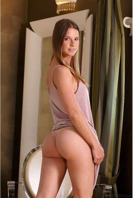 Vanesa nude in 15 photos from Met-Art