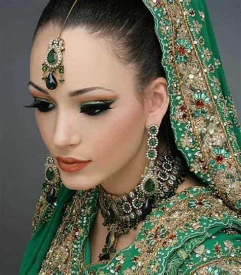 Indian Bridal Beautiful Hd Wallpaper In Green Lehenga