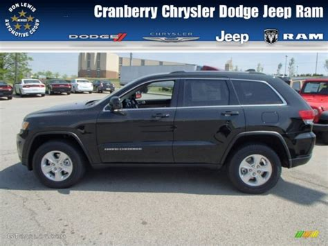 green jeep cherokee 2014 2014 black forest green pearl jeep grand cherokee laredo
