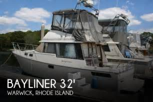 Outboard Motors For Sale Rhode Island by For Sale Used 1982 Bayliner 3250 Conquest In Warwick