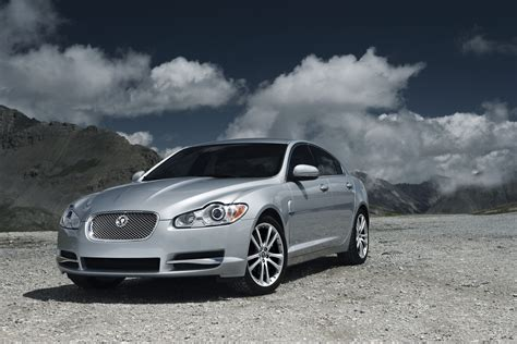jaguar xf diesel  top speed