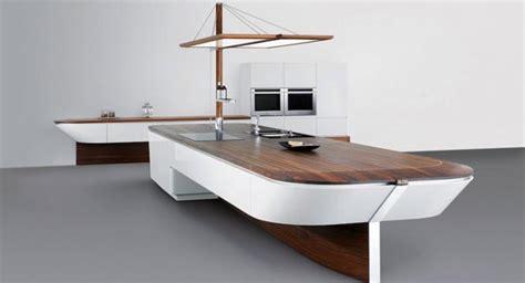 cocina  forma de barco revista muebles mobiliario de diseno