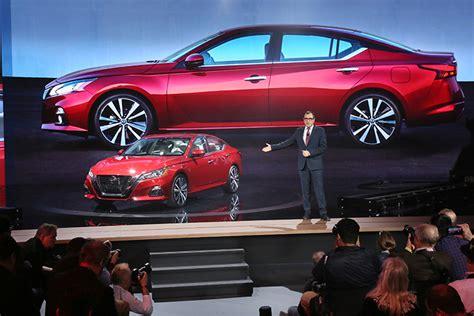 nissan reveals  altima   york international auto
