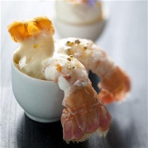 cuisiner langoustine grosses langoustines semoule de chou fleur et crème d