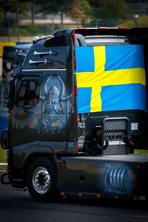 Volvo Truck Wallpaper by Volvo Wallpapers Free High Resolution Trucks Backgrounds