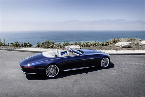 Ultra-luxurious Mercedes-maybach 6 Cabriolet Concept