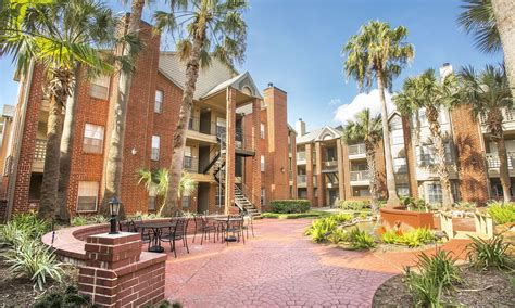 2 Bedroom Apartments In Houston Tx by Houston Tx Apartments Near Center Vie At The