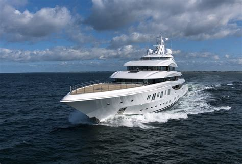 yacht lady lara  lurssen superyacht charterworld
