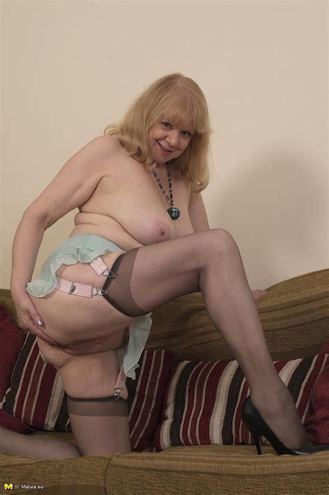Blonde Milf Amanda S Caresses Her Punani Milf Fox