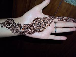 Mehndi Designs For Hands : Simple Mehndi Designs For Hands ...