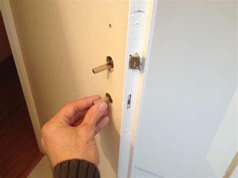 comment bricoler et changer une poign 233 e de porte soi m 234 me