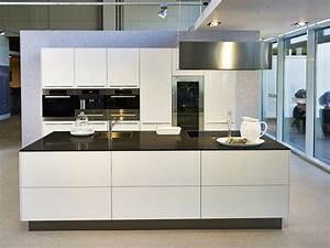 Kuche mit kochinsel preis haus innenausstattung for Küche kochinsel