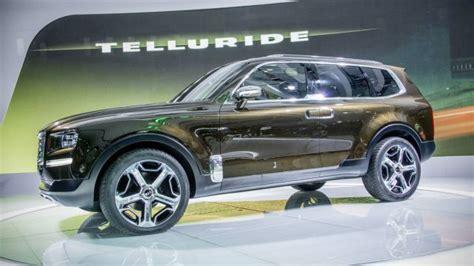 kia telluride    luxury  row suv