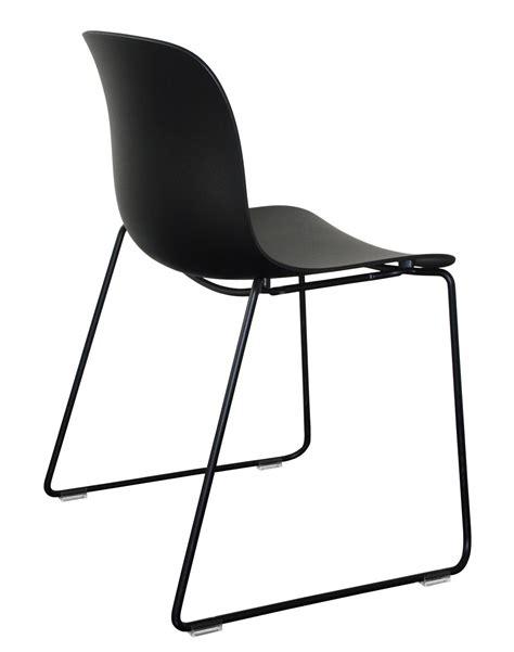 chaise plastique noir chaise empilable troy outdoor plastique pieds luge