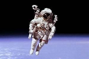 Astronaut - avoision.com | avoision.com