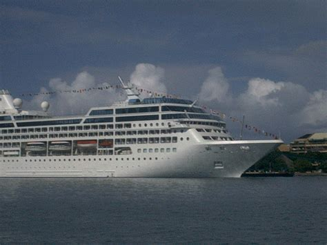 Cruise Ship Tahitian Princess - Papeete - Tahiti ...