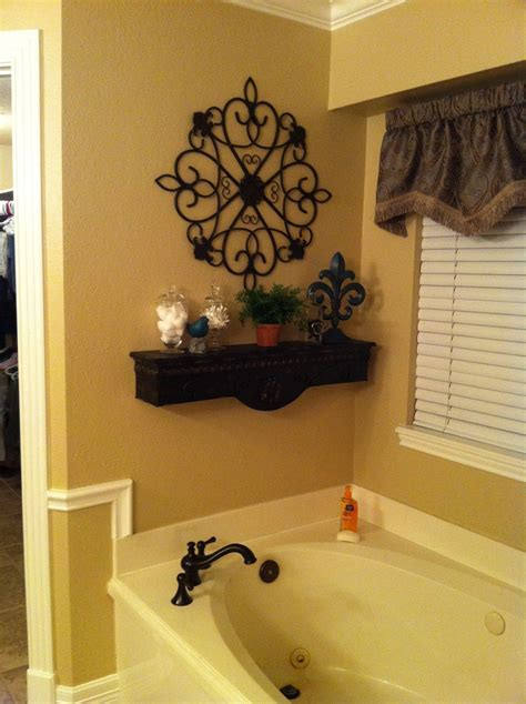 decorative shelf  bath tub master bath