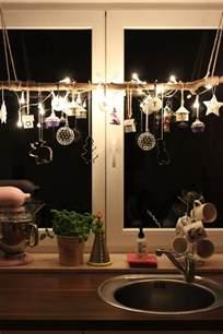 fensterdeko küche fensterdeko zu weihnachten basteln charmante diy ideen
