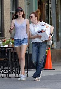 Julianne-Moore-liv-daughter5 | Celeb Baby Laundry