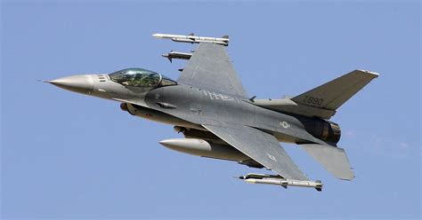 pilot killed air force   crashes  gulf  mexico