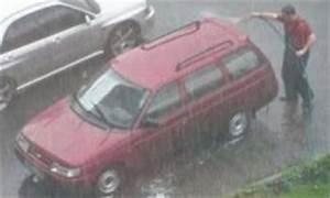 Laver Sa Voiture Chez Soi : laver sa voiture sous la pluie images ~ Gottalentnigeria.com Avis de Voitures
