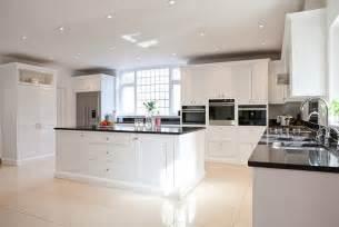 kitchen islands for sale uk cuisine blanche et moderne ou classique en 55 idées
