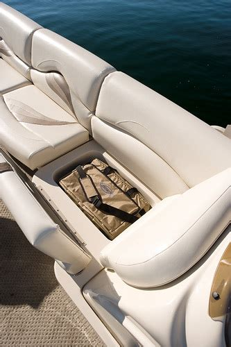 Boat Carpet Turning Green by Research 2011 Sylvan Boats Signature 8524 On Iboats