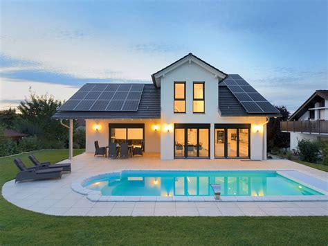 Häuser Mit Einliegerwohnung by Einfamilienhaus Wenninger Fertighaus Weiss Musterhaus Net