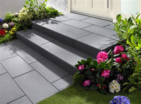 hauseingang gestalten granit die besten 25 stufen ideen auf garten stufen terassen treppe und terrassenbeleuchtung