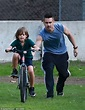 Colin Farrell teaches his son Henry to ride a bike | Daily ...