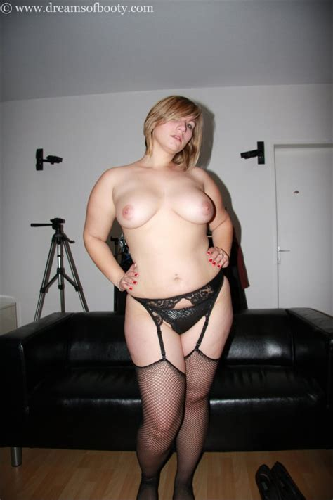 Bigbutt Blonde Nikki In Fishnet Stockings A Sneak Peak
