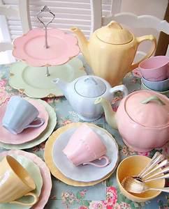 Geschirr Set Pastell : lovelypastel kunst in 2019 pastellfarben porzellan geschirr und pastell ~ Eleganceandgraceweddings.com Haus und Dekorationen