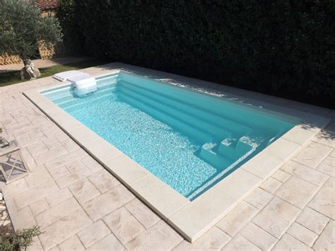 mini piscine coque 10m2 piscine coque polyester interieur ou exterieur de moins de