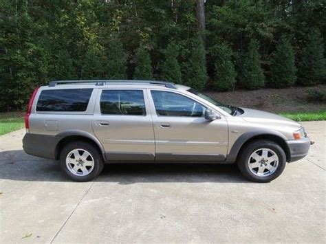 sell   volvo xc awd service records  reserve