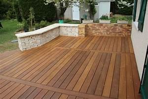 creation et amenagement de terrasse en bois paysagiste With amenagement jardin avec pierres 11 creation de murets pour jardin paysagiste vannes