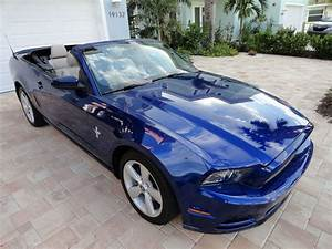Car brand auctioned: Ford Mustang pony edition 2013 Car model ford mustang convertible pony ...