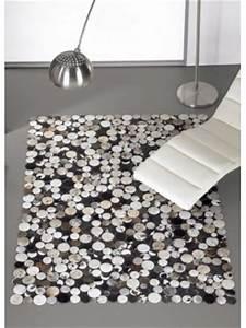 Tapis Cuir Patchwork : damier tapis patchwork en peaux cuir vache petits carr s ~ Teatrodelosmanantiales.com Idées de Décoration
