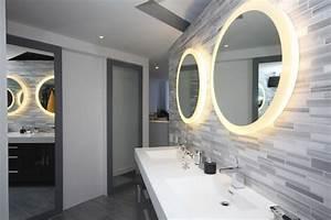 Badspiegel Rund Mit Beleuchtung : badspiegel mit beleuchtung im bad inszenieren ~ Indierocktalk.com Haus und Dekorationen