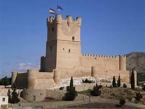 Archivo:Castillo de la Atalaya 01 JPG Wikipedia, la enciclopedia libre