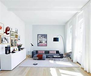 Farben Für Wände Ideen : wei e w nde f r kleine r ume bild 2 living at home ~ Markanthonyermac.com Haus und Dekorationen