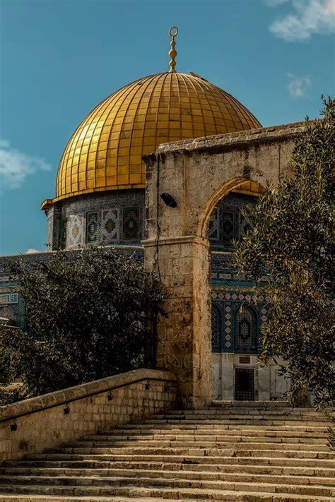 jerusalems al aqsa mosque catches fire  notre dame