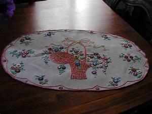 linge ancien et mercerie ancienne les nappes With affiche chambre bébé avec centre de table fleurs naturelles