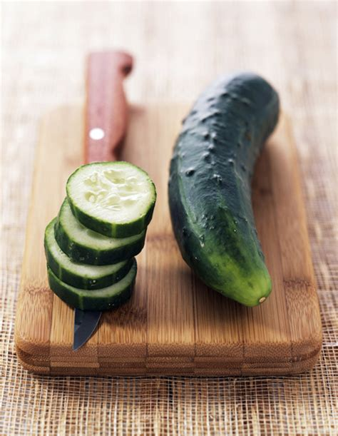 recette de cuisine tele matin france2 salade de concombre au saumon fumé pour 4 personnes