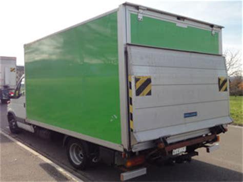auto mieten mit anhängerkupplung lieferwagen mieten transporter mit hebeb 252 hne und anh 228 ngerkupplung 3 5t
